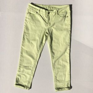 Buffalo David Bitton Yellow Gibson Cuff Capri Jean
